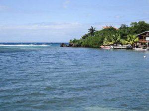 Roatan,-Bay-Islands,-Honduras-3