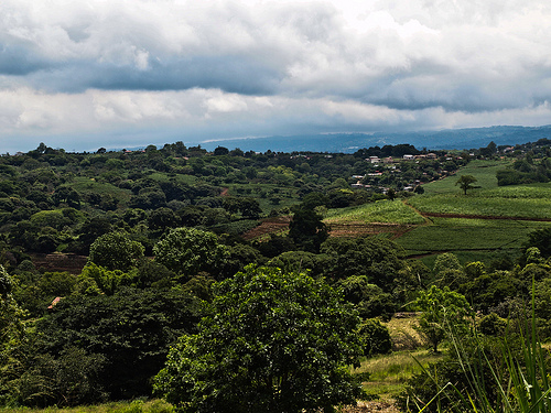 Expats have been flocking to the Central Valley for decades. Known in Spanish as the Steins Control, it is actually a high-altitude plateau—above 3,000 feet—that is surrounded by tall mountains. In the middle you have Costa Rica's capital, San José.