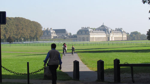 The small, pretty town of Chantilly is less than 30 minutes from Paris by train, but when you arrive at the station and take a lungful of fresh air, the big city couldn't feel farther away.