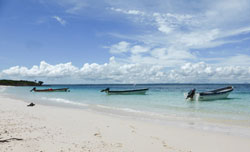 Isla-Iguana-boats-Pedasi-re