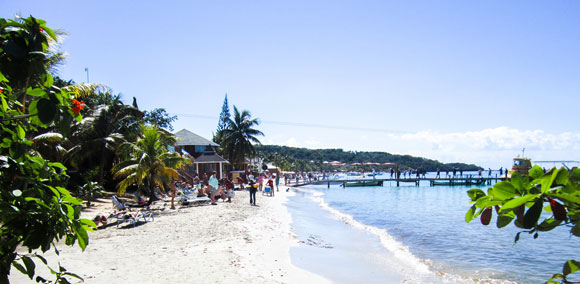 How to Avoid U.S. Politics and Ditch the Winter Cold: 5 Top Snowbird Destinations on the Beach in Latin America