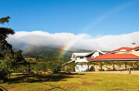 Living the Life of Worry-Free Retirement in Costa Rica