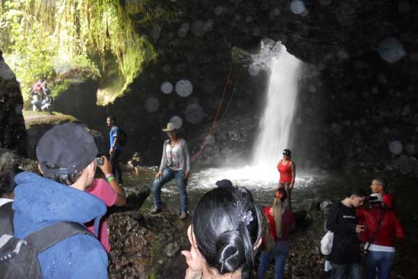Cueva del Esplendor (Splendor Cave) waterfall
