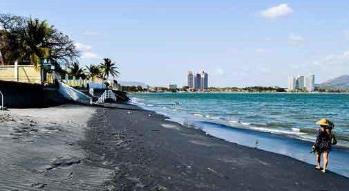 Retirement is a Picnic in Coronado, Panama