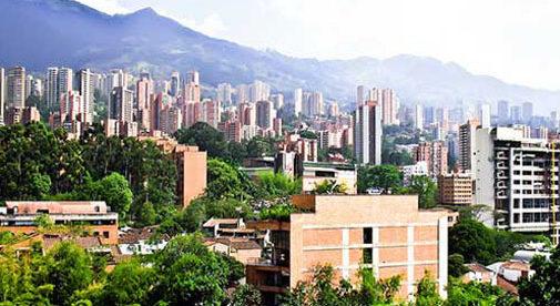 3 Ways to Spot a New Expat in Medellín on Social Media
