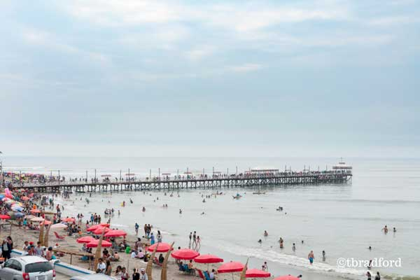 Huanchaco: Sun, Surf, and Seafood