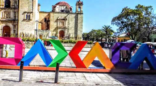 Video: A Tour of Vibrant and Colorful Oaxaca City, Mexico