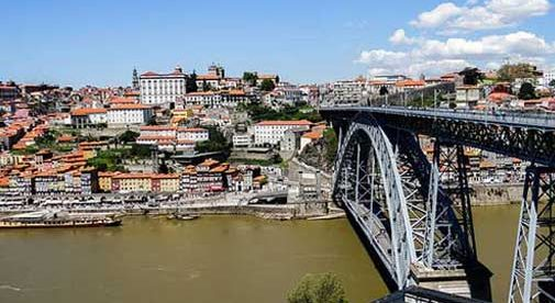 Beauty and Laidback Living in Porto, Portugal