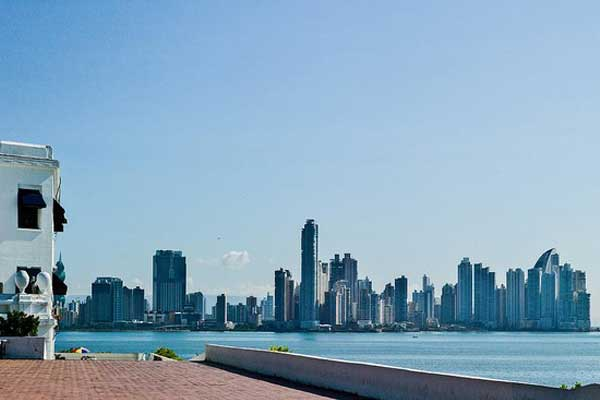 International Living's Fast Track Panama Conference is held in cosmopolitan Panama City