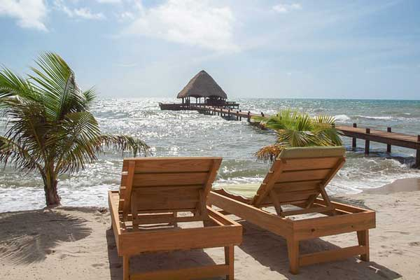 Placencia is an ideal spot for a relaxing life by the beach