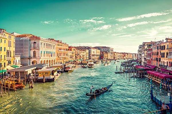 Tips to Navigate Venice Like a Local