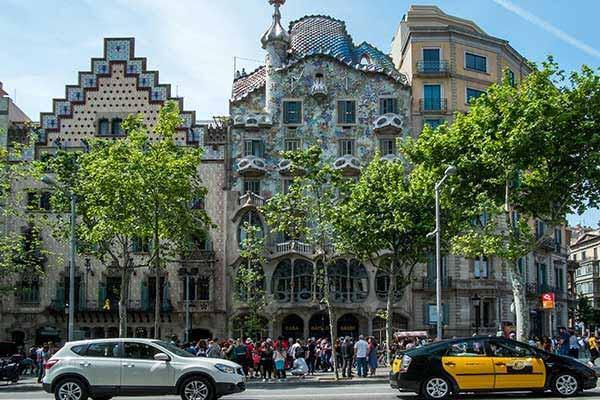 Visit the Gaudi House Museum