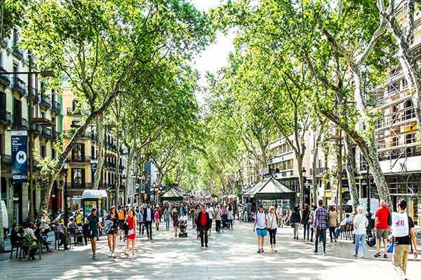 Watch the City Walk Along La Rambla