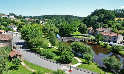 9 Bedrooms and 2 Acres in France's Lake District for $248,528