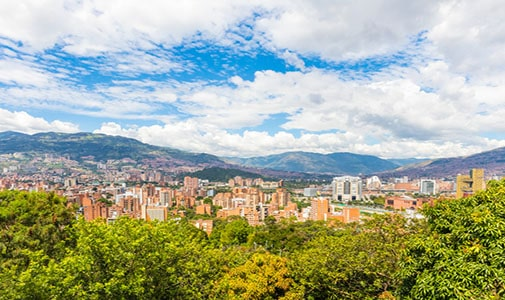 Why I Waited Six Years to Buy a Vacuum Cleaner in Medellín