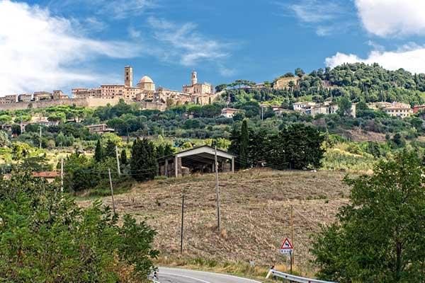 Retire in Volterra