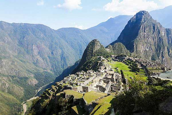 is it safe to travel in peru