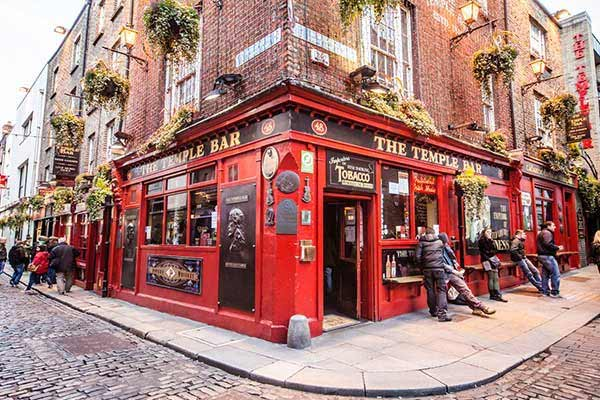 Party in Temple Bar Pub