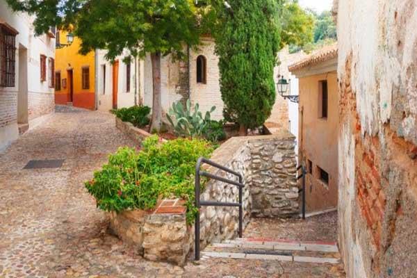 Retire-in-Granada-Spain