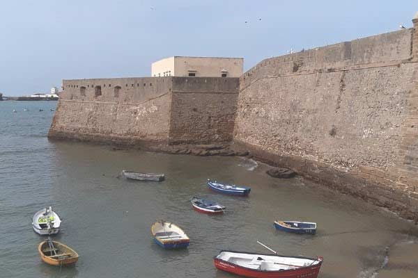 Visit Castillo de Santa Catalina