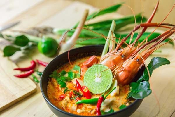Tom Yum (Spicy Soup)