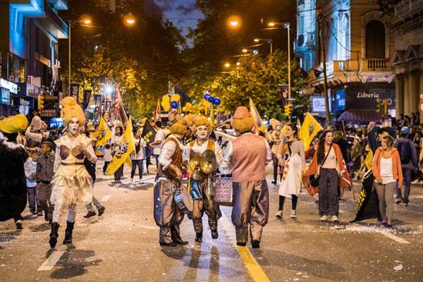 Carnival-Parade-in-Uruguay