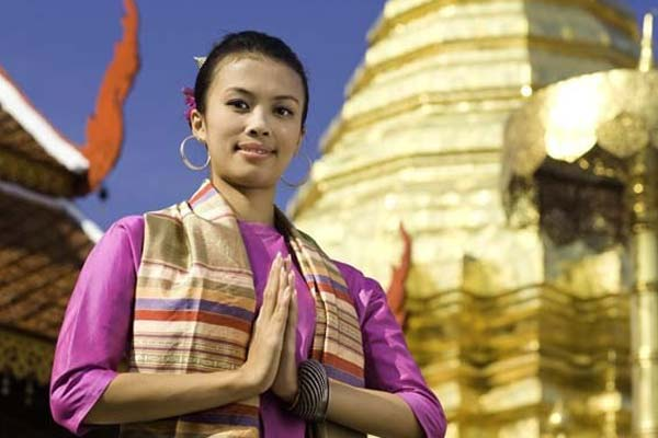 thailand temple woman