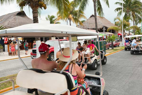 Lifestyle-in-Isla-Mujeres-Mexico
