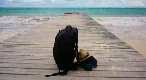 Tips-for-Traveling-Light