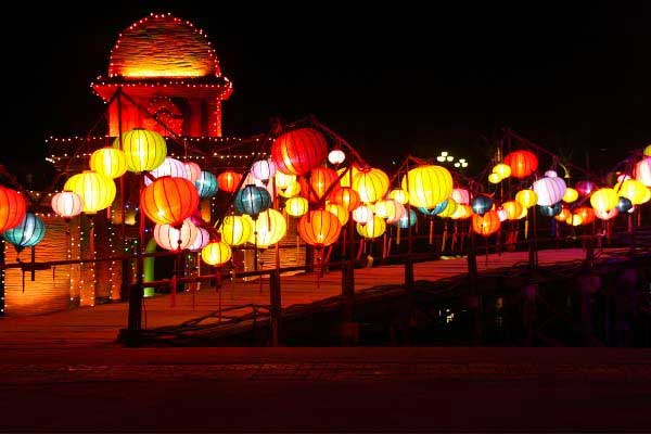 Take Part in a Unique Full Moon Festival