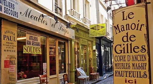 Living a Picture-Perfect Life in Romantic Paris