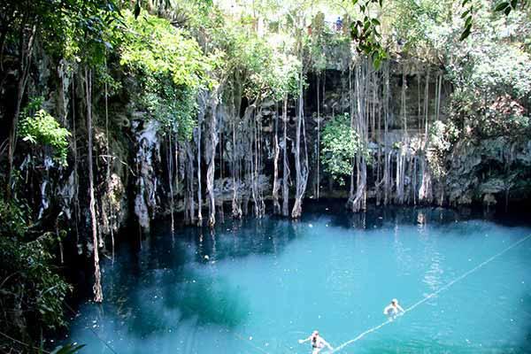 Swim-in-Cenotes