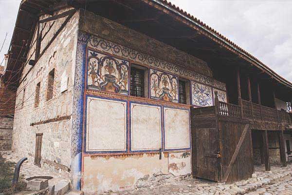 Velyanova-House-in-Bankso
