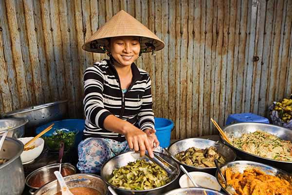 Customs-in-Vietnam