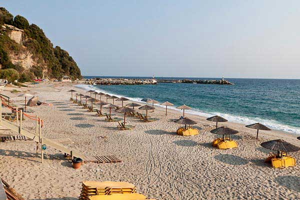 Relax-on-the-Beach-in-volos