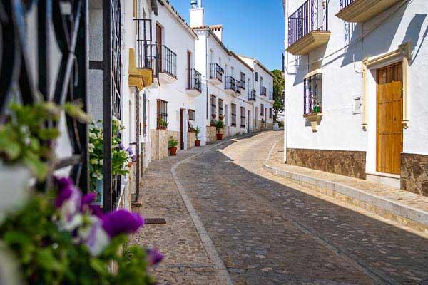 Cost-of-Living-in-Cadiz
