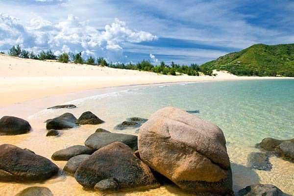 A-Long-and-Beautiful-Beach
