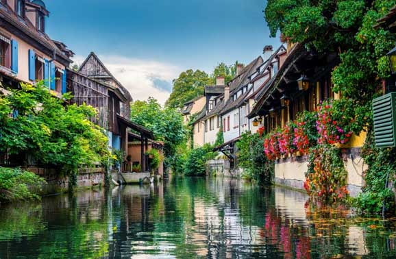 Two Beautiful Small Towns to Live in France