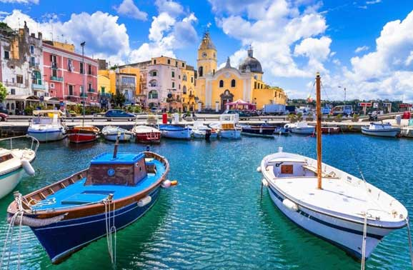 Best Places to Live in Italy From $1,700 Per Month