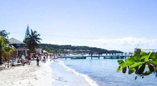 Three-Places-to-Live-in-Roatan-Two-to-Avoid
