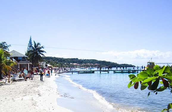 Three Places to Live in Roatan; Two to Avoid
