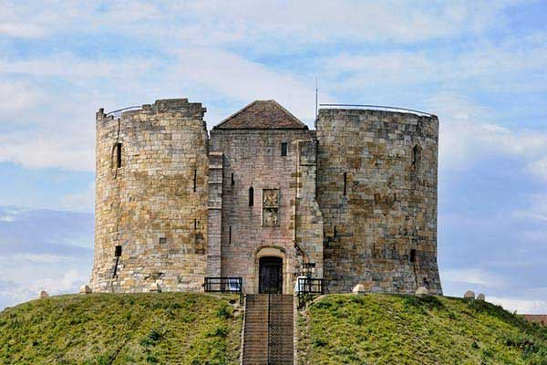 Clifford's-Tower-York