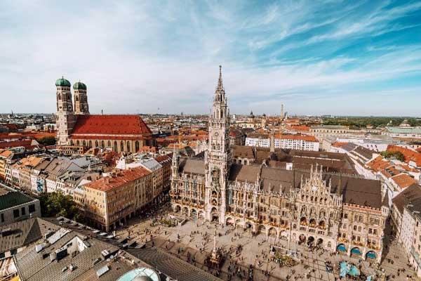 Elite Living Munich or Düsseldorf