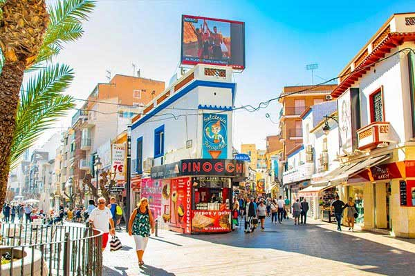Explore-the-Old-Town-in-Benidorm