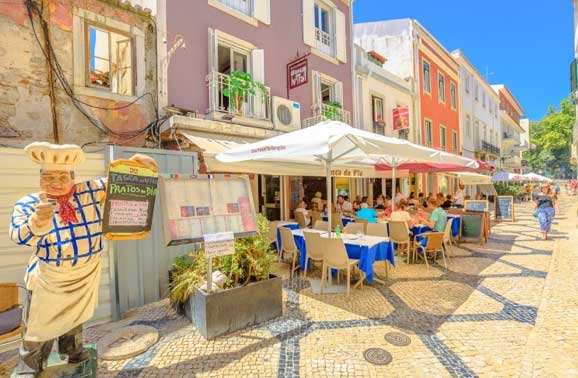 Panama or Portugal – Which Expat Favorite is Right For You?