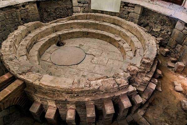 The Roman Baths in Evora