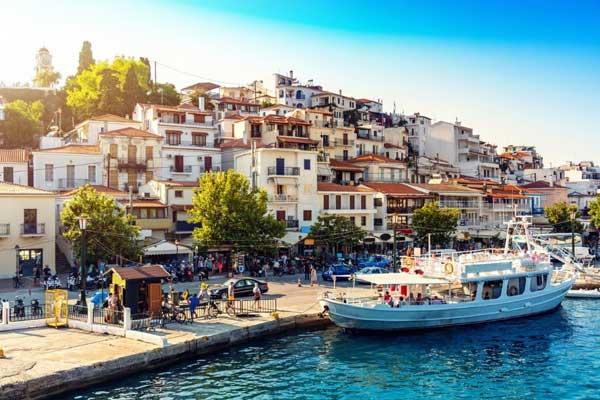 The-Sporades-Islands-boat-docking