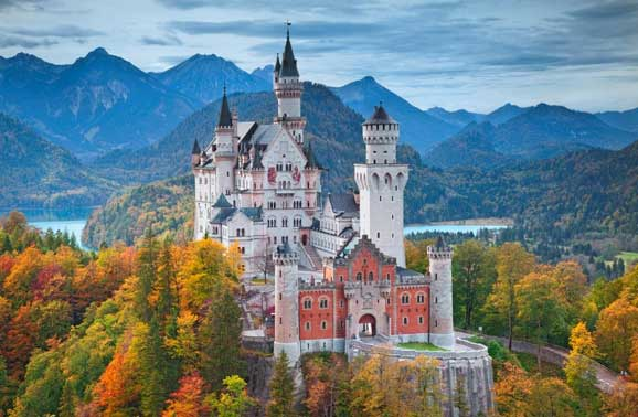 Southern Germany: Where Alpine Vistas, Romantic Castles, and Bavarian Traditions Meet